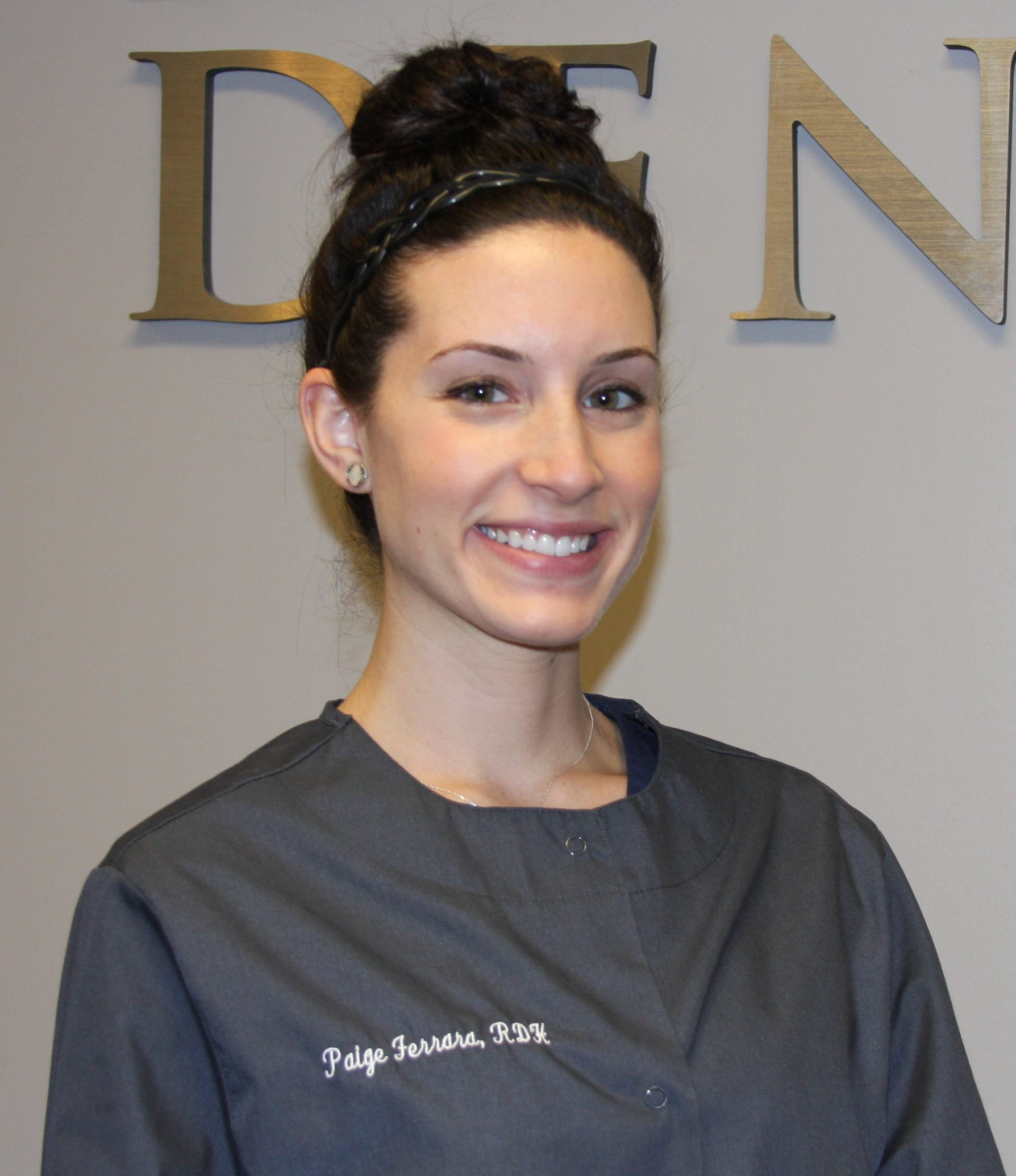 Paige, Hygienist in Dedham